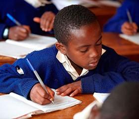 Schulgelder für die Region Mbinga