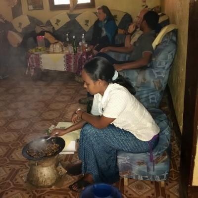 Kaffeezermonie in Komto
