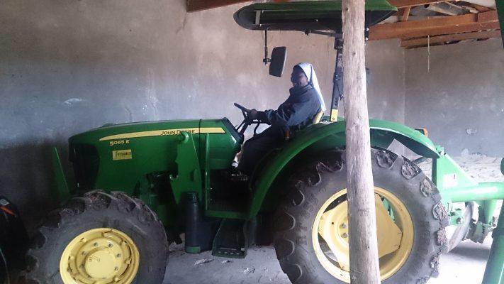 2017-02-08 - Neuer Traktor in Ilunda (3)