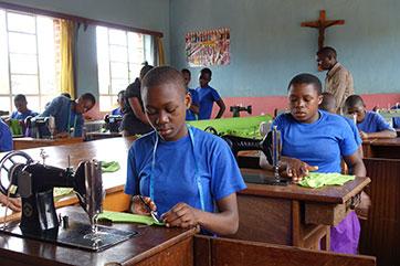 Bessere Chancen für Mädchen – Haushaltungsschulen in der Region Mbinga (Tansania)