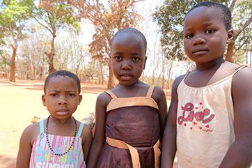 Kinder – unsere Zukunft – Erziehung und Ernährung in der Diözese Songea