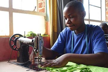 Schülerin in Mbinga